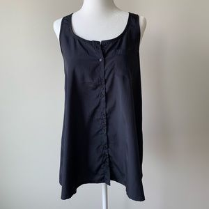 Tops - Loose fitting navy tank with functional buttons